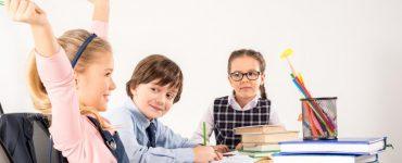 children-studying-together