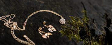 Metal jewelry pieces